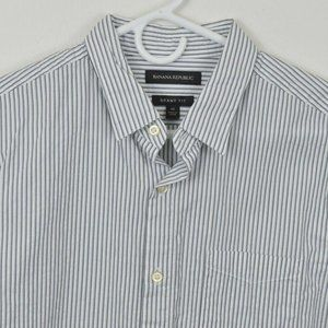 Banana Republic Medium Shirt Long Sleeve Button